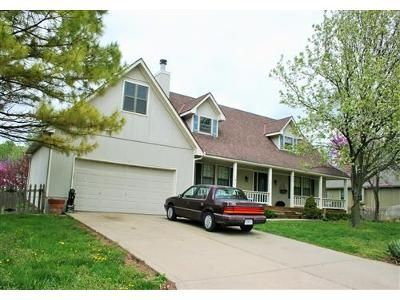 4 Bed 3.1 Bath Foreclosure Property in Raymore, MO 64083 - Cedar Dr