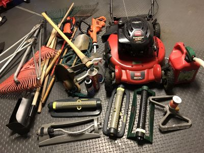 Toro sr4 super recycler engine Briggs Stratton and all your lawn mower and backyard needs (free snow shovel)