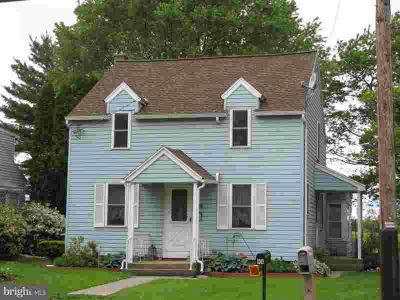 811 E Linden St RICHLAND, nicely remodeled single home that