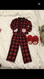 2T Santa pjs and slippers size 5/6