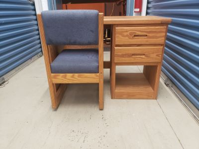 Crate design 42inch desk and chair