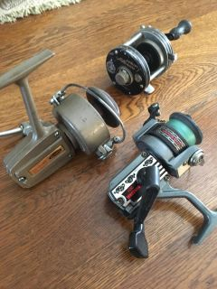 Fishing pole spin reals (vintage)