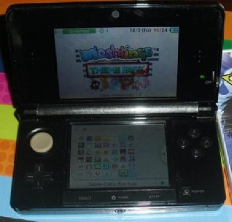 Nintendo 3ds in good condition has about 15 games on the system
