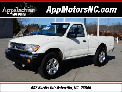 1999 Toyota Tacoma Base (White)
