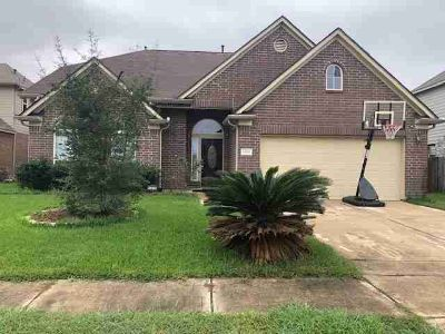 14315 Pipers Gap Court Houston Four BR, Stunning 2 story.