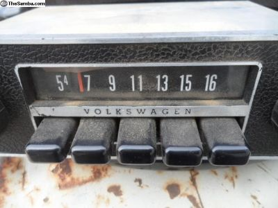 1973 Volkswagen AM radio