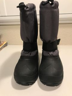 Kamik Youth Snow Boots Size 4