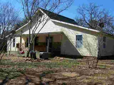 2483 County Road 2870 Mountain View Two BR, 2 acres m/l located