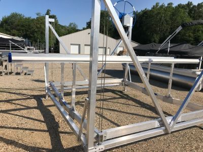 2018 SHOREMASTER - Manufacturers DVS501066 Boat Lifts Coloma, MI