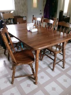 6 chairs with 1 leaf table