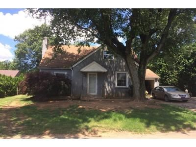 3 Bed 1 Bath Preforeclosure Property in Honey Brook, PA 19344 - Spruce St