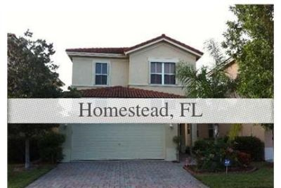 GREAT HOME IN WATERSTONE, ENJOY THE RESORT CLUBHOUSE WITH GYM AND POOL.