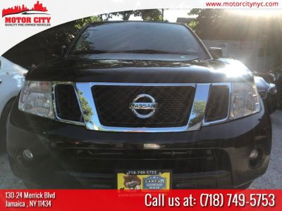 2012 Nissan Pathfinder S (Black)