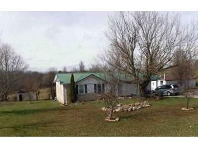 3 Bed 1.5 Bath Foreclosure Property in Cub Run, KY 42729 - Gap Hill Rd