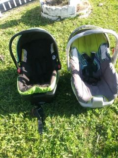 2 Car Seats with Bases $5 each