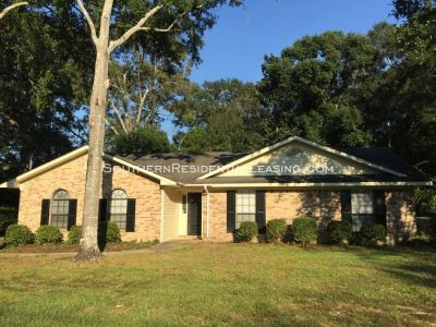 118 Spring Dr, Fairhope, AL ~ by Southern