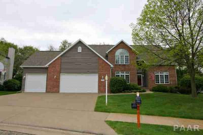 10627 N Dana Peoria Four BR, Your Oasis Awaits in the