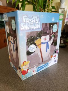 Frosty the Snowman Airblown Inflatable. 3 1/2 feet tall. Indoor/outdoor use!