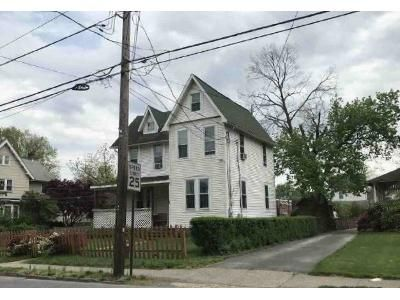 4 Bed 1.5 Bath Foreclosure Property in Lansdowne, PA 19050 - Stewart Ave