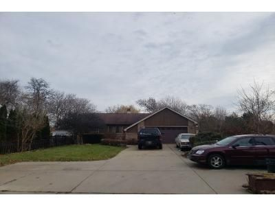4 Bed 2 Bath Preforeclosure Property in Des Plaines, IL 60018 - Webster Ln