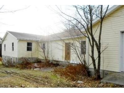 3 Bed 2 Bath Foreclosure Property in Clarks Summit, PA 18411 - Forest Acres Dr