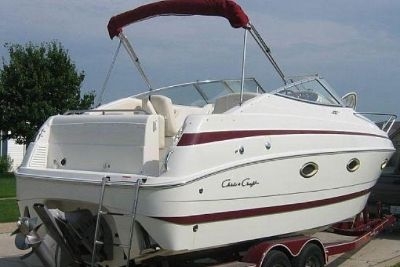 1999 Chris Craft 260 Express Cruiser