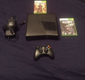 Excellent condition Xbox 360 s bundle