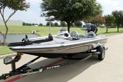 2007 Nitro 482 SC with 2007 Mercury 90 Hp Engine and 2007 Trailer