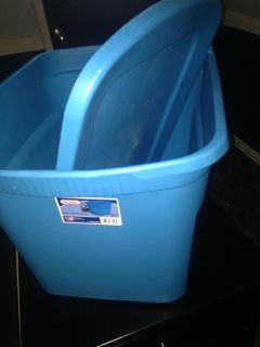 18 gallon storage container with lid $4