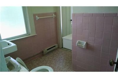 The is a Studio apartment on the second floor of a quiet building.