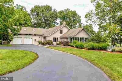 364 Walnut Ln North East Five BR, motivated seller!!!!custom