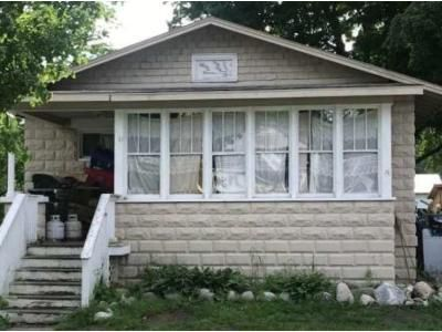 2 Bed 1 Bath Foreclosure Property in Hartford, MI 49057 - S Center St