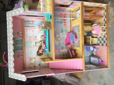 Three Story Doll House