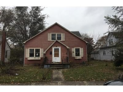4 Bed 2.0 Bath Preforeclosure Property in Troy, OH 45373 - Walker St