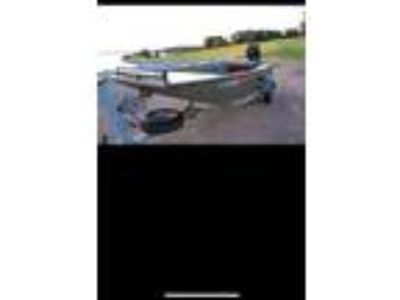 2015 17 ft prodigy boat with 35 hp mud buddy motor