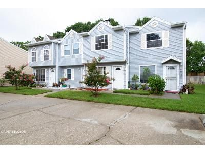 2 Bed 2.5 Bath Foreclosure Property in Tampa, FL 33634 - J R Manor Dr