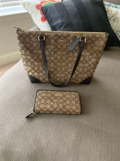 EUC Coach Small Tote and Wallet
