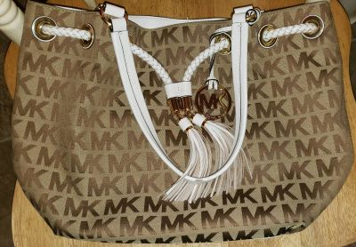 Michael Kors Signature Jet Set purse bag tote