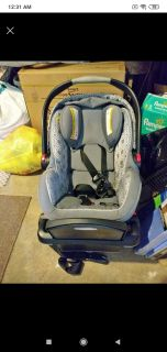 Looking for this car seat with newborn insert