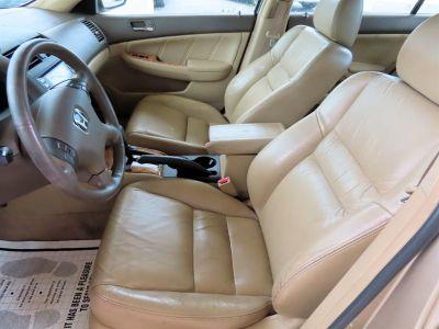 2004 Honda Accord EX (Beige)