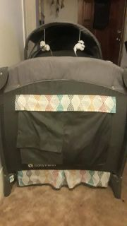 Baby Trend playpen from age 0 - todler (possibly lower make an offer )