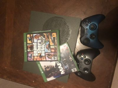 Xbox one s all cords 2 games 2controllers
