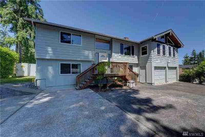 31713 160th Pl SE Auburn Three BR, Stunning remodel with great