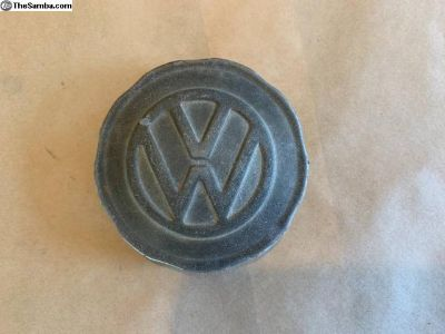 Early Baywindow Original gas cap with logo
