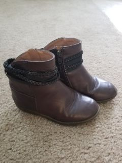 Old Navy Brown Fall Boots