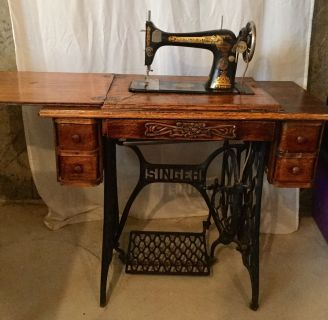Vintage 1910 Singer Sewing Machine Fonctional