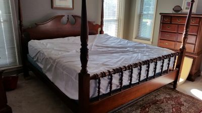 King size bed,