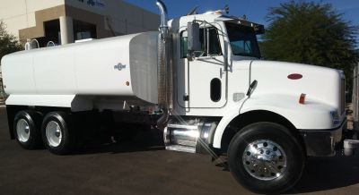2003 Peterbilt Water Truck. NEW 4000 Gal. Water Tank, Water Cannon, Water Tank Pump
