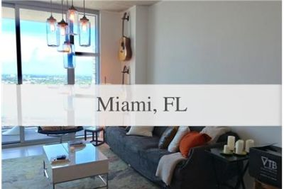FULLY FURNISHED 1 BEDROOM/ 1 1/2 BATHROOM UNIT. Parking Available!