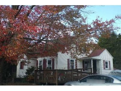 3 Bed 1 Bath Foreclosure Property in Haverhill, MA 01832 - Lowell Ave
